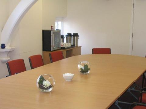 Image of meeting room